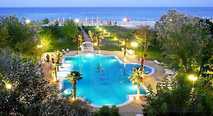 Orfeas Blue Resort Hotel 4*  - первая линия от моря, огромный бассейн