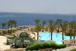 coral-beach-montazah-rotana-resort-4