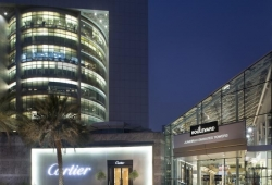 Jumeirah_Emirates_Towers_06