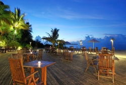 holiday-island-resort-maldives-6