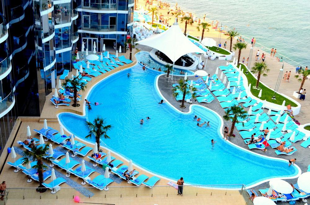 Отели Одессы с бассейном